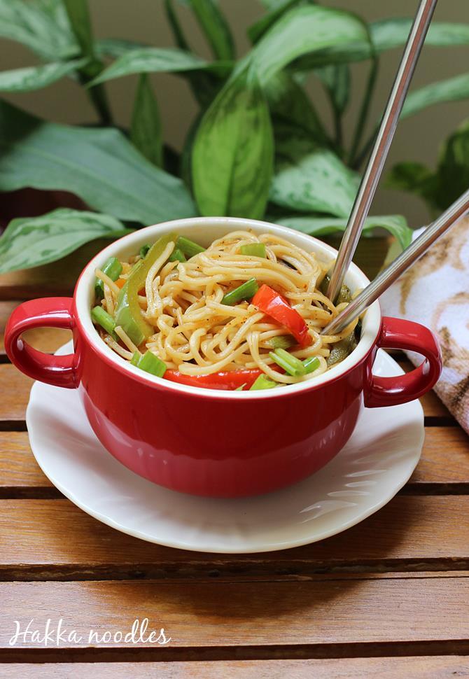veg hakka noodles recipe swasthis recipes