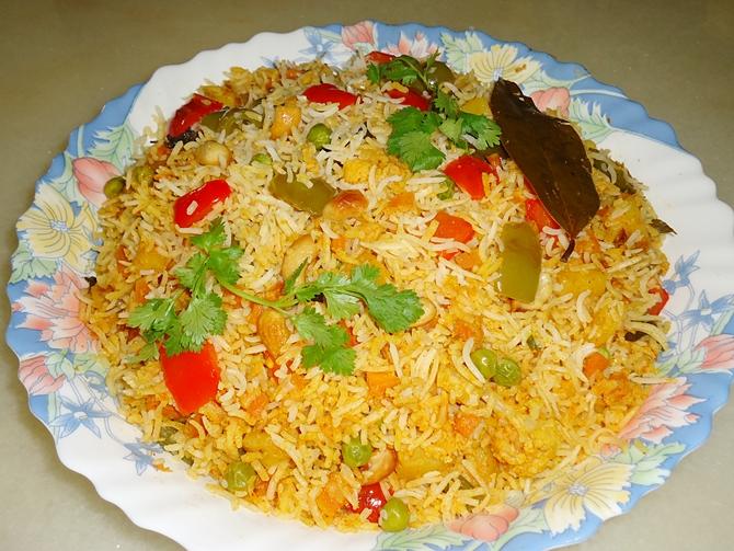 garnish mumbai style veg biryani