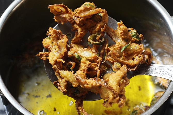 frying fritters till golden