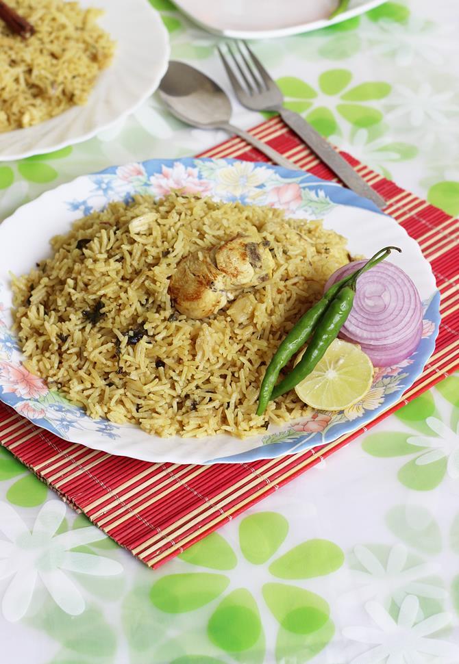 easy chicken biryani in pressure cooker