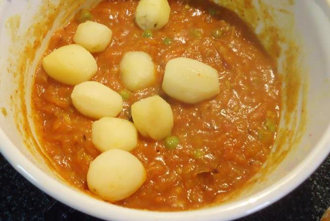 dum aloo recipe step 8