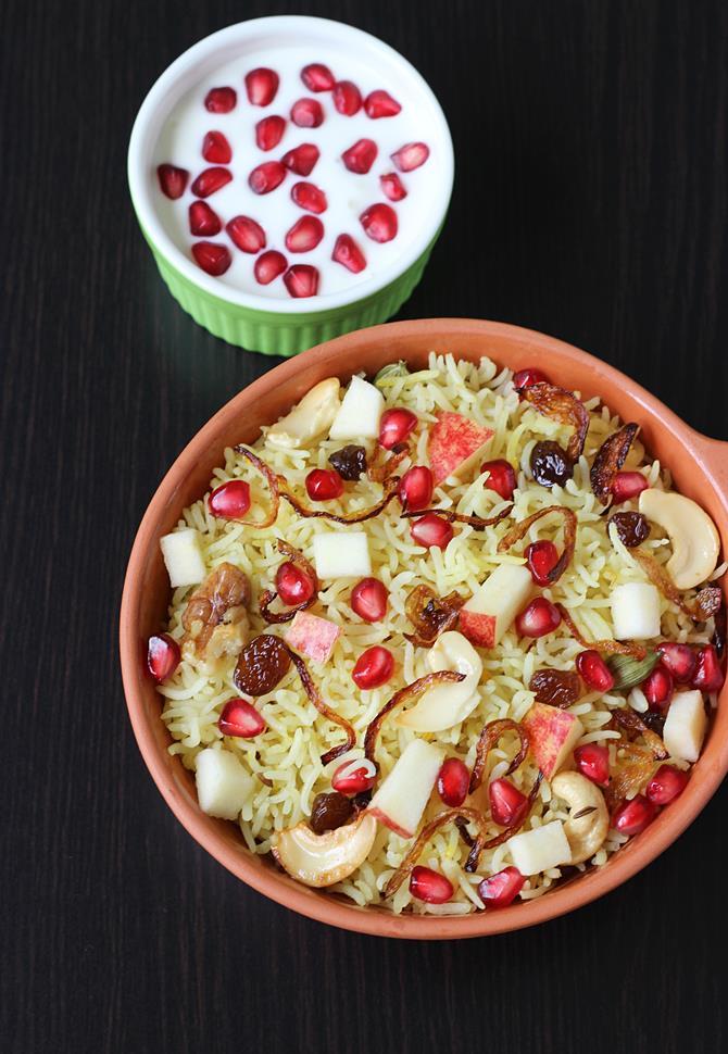 Kashmiri pulao recipe how to make kashmiri pulao dry fruits pulao forumfinder Gallery