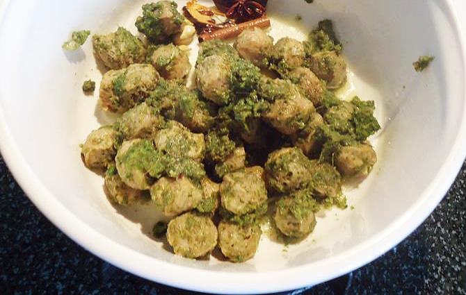 frying marinated nuggets in pan for soya chunks biryani recipe