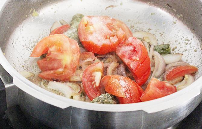 frying ginger garlic paste for shorba recipe