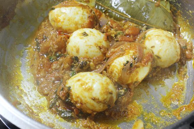 addition of biryani masala powder for egg biryani recipe