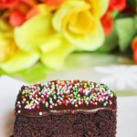 Featherlight simple chocolate cake recipe – how to make a simple chocolate cake recipe