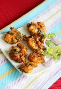 Prawn pakora recipe | How to make prawn pakora (prawn fritters recipe)