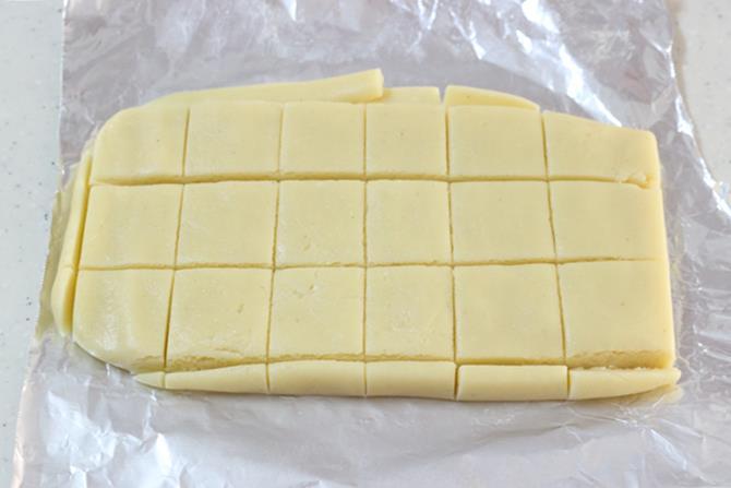 cut to shapes to make indian mawa barfi recipe