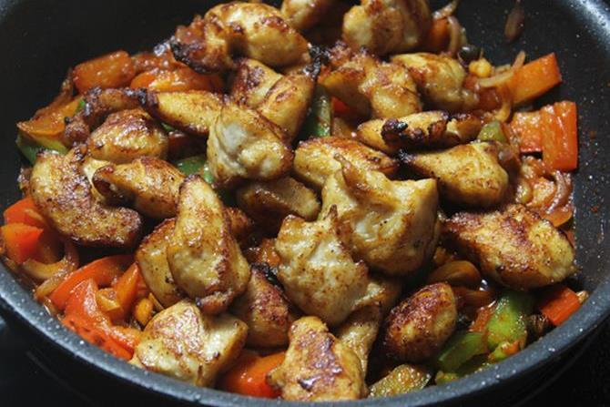 addition of fried chicken in schezwan chicken recipe