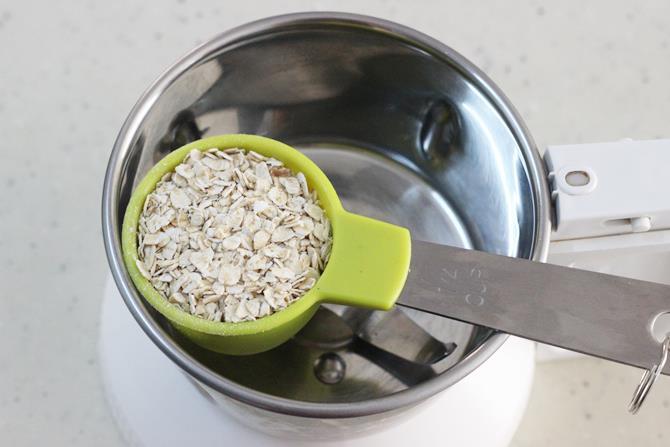 blend oats in a jar for oats porridge