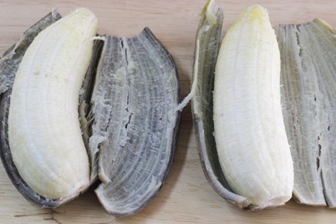 peel plantain for raw banana curry recipe