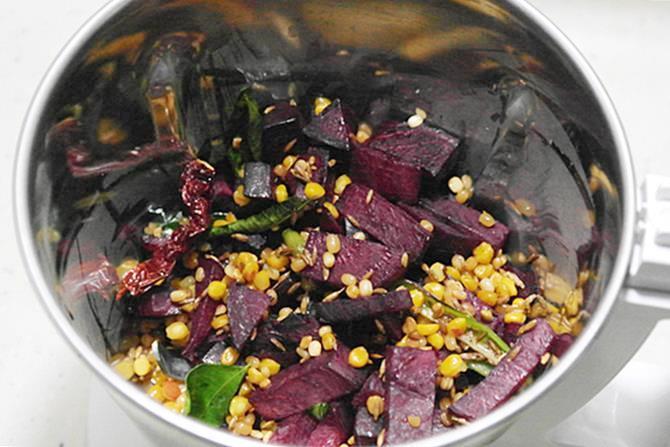 blending for beetroot chutney recipe