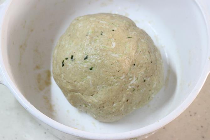 dough for bottle gourd paratha