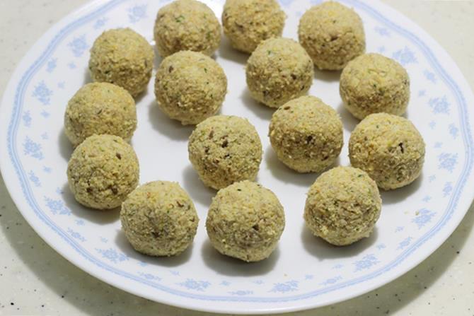 making falafel balls with mixture