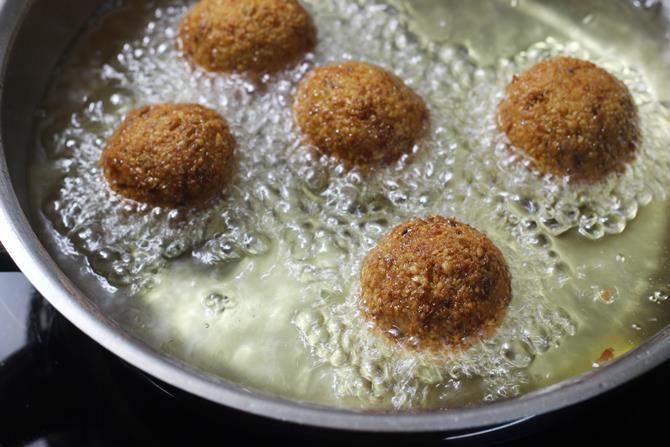 deep frying balls to make falafel recipe