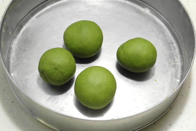 make equal sized balls