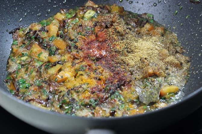 addition of spice powders for prawn biryani recipe