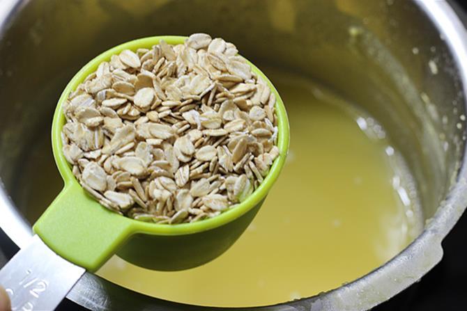 addition of oatmeal to make oats bisi bele bath