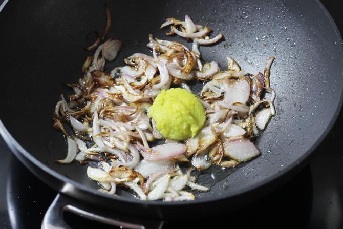 addition of garlic ginger for Hyderabadi mirchi ka salan