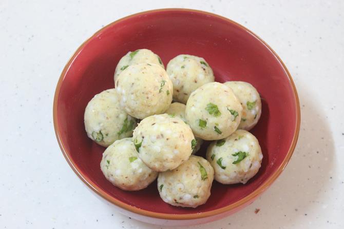 dough balls to make sabudana vada recipe