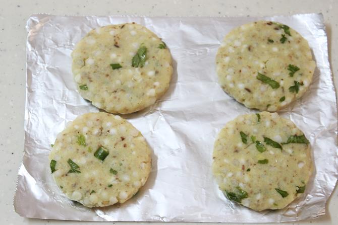 flatten the patties to make sabudana vada recipe