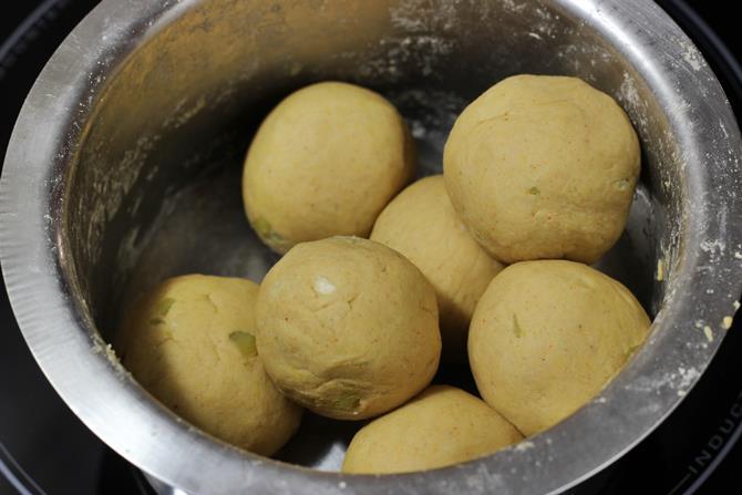 divide the dough to make dal paratha