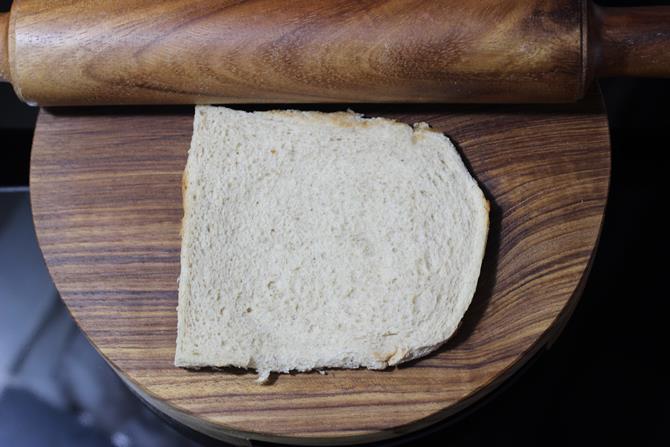 flatten slices for bread roll recipe