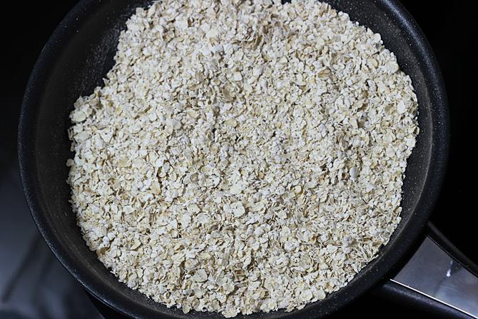 dry roast oatmeal for masala oats recipe