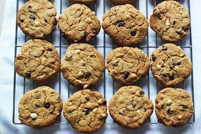 baking wheat flour chocolate chip cookies 12