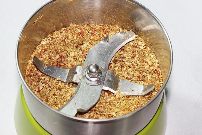 ground spice powder for kadai paneer gravy recipe