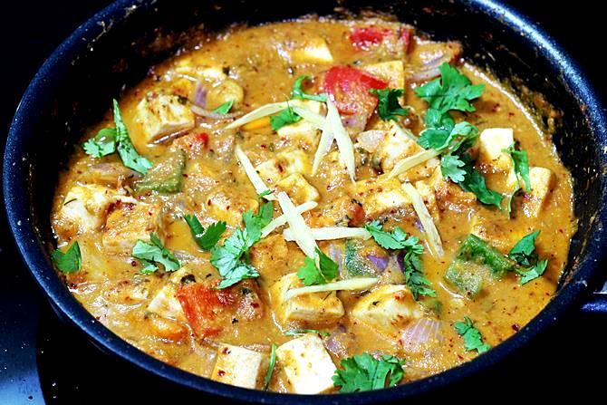 ginger coriander leaves for garnishing kadai paneer gravy