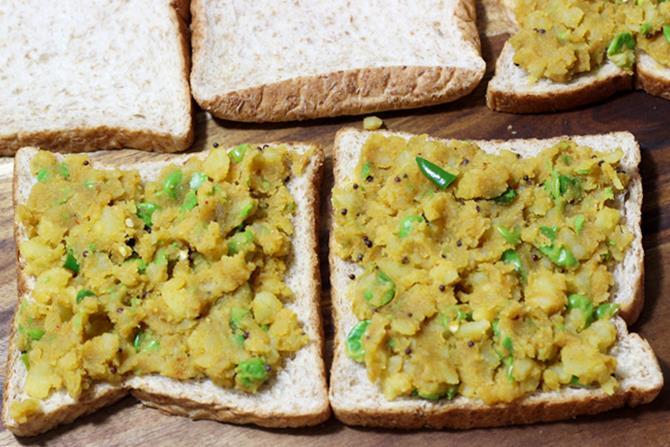 spread potato masala
