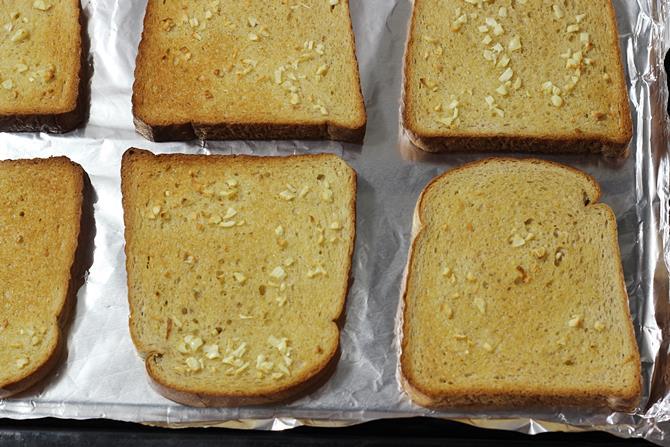 golden toasted garlic cheese toast