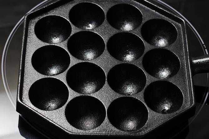 season the paniyaram pan