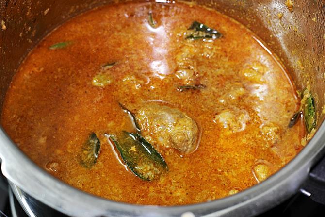 addition of water to make mutton gravy recipe