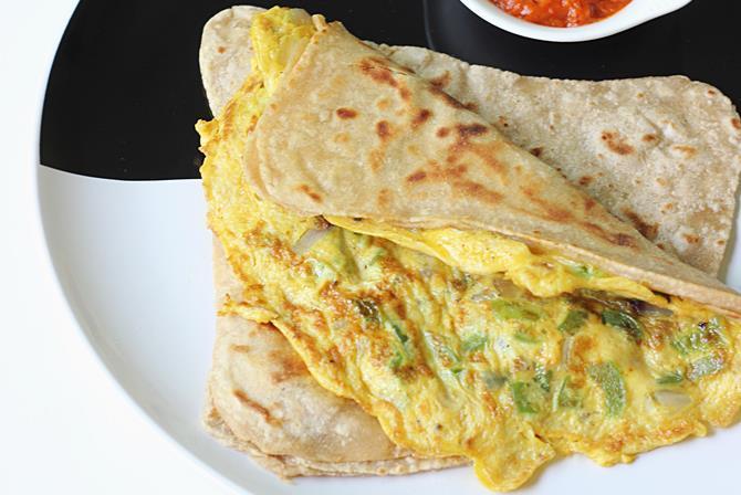 egg paratha breakfast