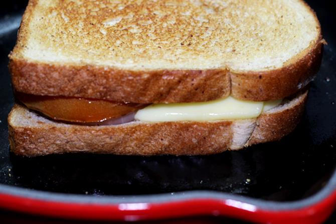 tomato-cheese-sandwich-recipe-08
