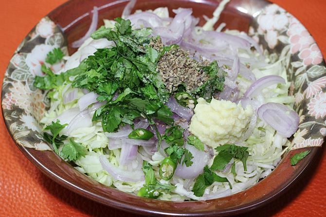 spices herbs to make cabbage pakora recipe