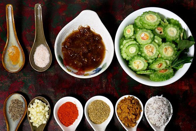 ingredients to make kakarakaya fry recipe