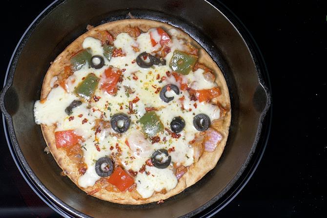 tawa-pizza-recipe-20